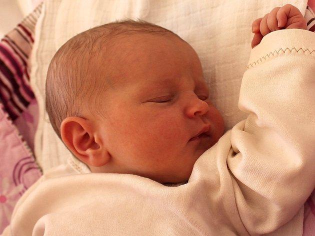 Monika Dušková se narodila 7.srpna Monice a Pavlu Duškovýmz Třeboně. Vážila 3350 gramů a měřila 52 centimetrů.