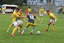 Jindřichohradečtí fotbalisté ve druhém kole divize v základní hrací době remizovali se Soběslaví 2:2 a padli až v následném penaltovém rozstřelu.
