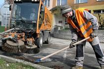 Blokově čištění ulic. Ilustrační foto.