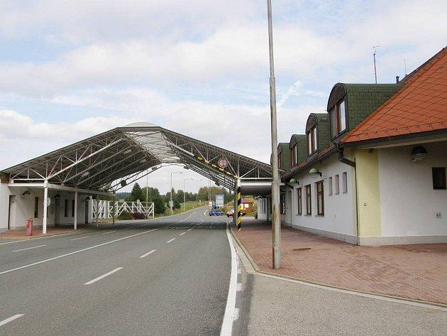 Budova celnice na hraničním přechodu ve Slavonicích.