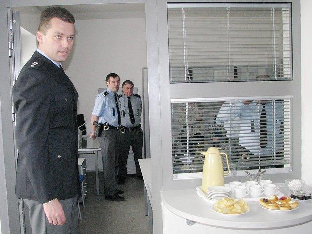 Zmodernizované Obvodní oddělení Policie ČR v Suchdole nad Lužnicí představuje vedoucí Martin Čalkovský.