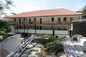 Pohled ze vnitřního dvora domu 62.