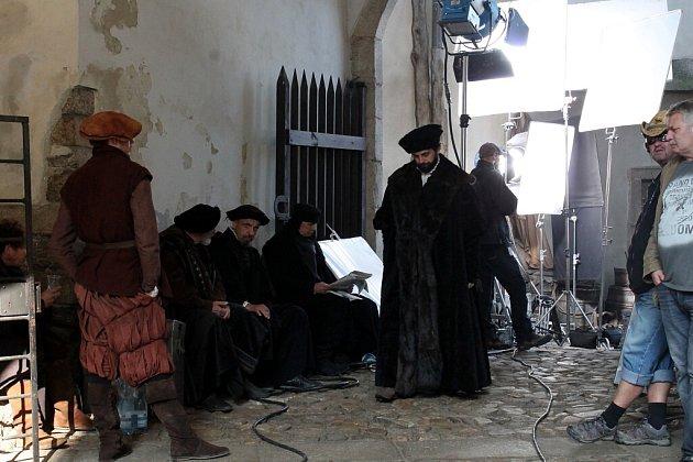 Natáčení velkofilmu Emperor v jindřichohradeckém zámku.