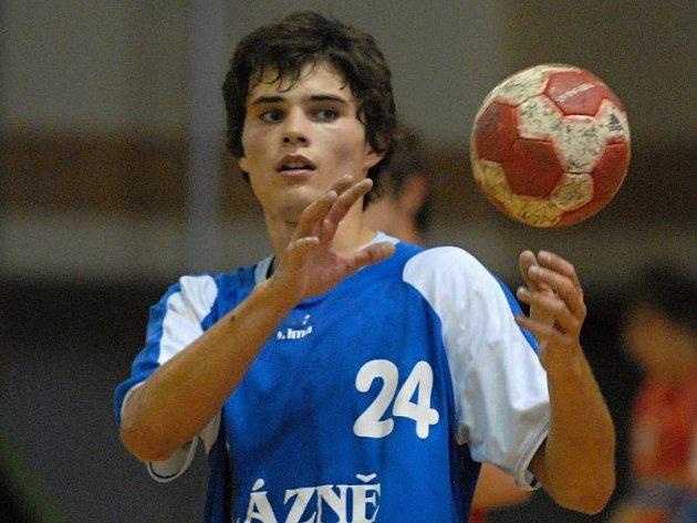 KLENOT. V líhni třeboňských házenkářů vyrůstá další velký talent. 19letý hráč na pozici spojky Martin Loskot patří v probíhající sezoně mezi nejlepší extraligové střelce.