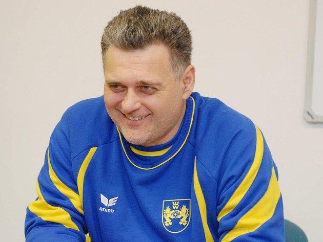 Trenér jindřichohradeckých házenkářek René Kumpán už zformoval kádr pro příští sezonu v interlize.