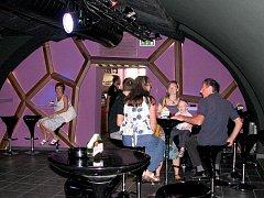 Rock music bar v třeboňské Besedě.