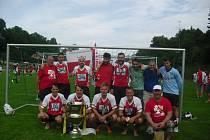 Fotbalový tým z Kardašovy Řečice obsadil v turnaji oboček Odboru přátel SK Slavia Praha druhé místo.