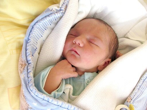 Jakub Žák se narodil  13. listopadu ve 21 hodin a 18 minut Kristýně Matičové a Jakubovi Žákovi z Jindřichova Hradce.  Vážil  3690 gramů a měřil 52 centimetrů.