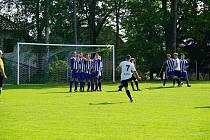 Fotbalisté Nové Bystřice si v souboji sestupem ohrožených týmů připsali velmi důležité vítězství na půdě Dobré Vody.