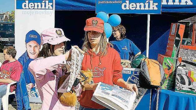 Na Den s Deníkem přišly i zleva Nikola Šindelářová a Zuzana Korandová.