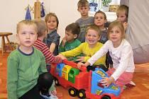 V 1. mateřské škole v Růžové ulici v Jindřichově Hradci se dětem líbí. Ilustrační foto.