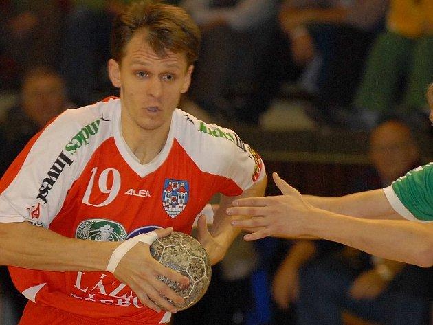 Vladislav Jordák už góly v nejvyšší házenkářské soutěžI střílet nebude. Kvůli zdravotním problémům ukončil aktivní kariéru a v letošní sezoně povede Třeboň jako hlavní trenér.