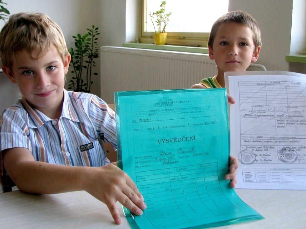 Předávání vysvědčení v Základní škole v Jarošově nad Nežárkou