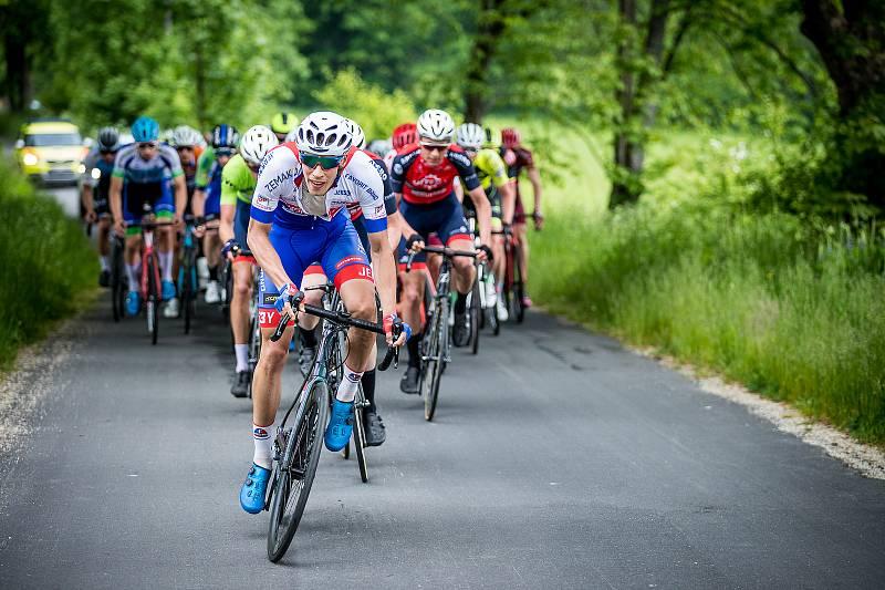 Mezinárodní tříetapový závod v silniční cyklistice RBB Tour zavedl peloton do malebných zákoutí území České Kanady, konkrétně do okolí Číměře, Popelína a Českého Rudolce.