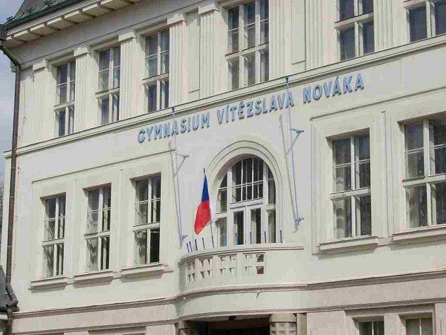 Gymnázium Vítězslava Nováka v Jindřichově Hradci. Ilustrační foto.