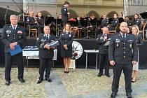 V rámci oslav města Jindřichův Hradec a připomenutí 30. výročí vzniku moderní policie uniformovaní policisté a členové Hradní stráže koncertovali na náměstí Míru. Předány byly i ceny Policista roku 2020.
