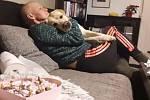 Martina Šlincová před dvěma lety onemocněla rakovinou prsu. Ve svých 46 letech absolvovala celkovou onkologickou léčbou, chemoterapie, ozařování a přišla o vlasy. Nyní se vydala na symbolickou cestu do 230 kilometrů vzdáleného Velehradu, chce tak dodat od