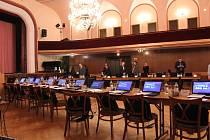 Ustavující zastupitelstvo se konalo na Střelnici v pondělí 5. listopadu, v nejzazší možný termín.