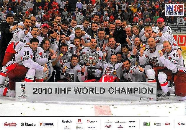 Na autogramiádě hokejových mistrů u Vajgaru budou i platáty vítězného českého týmu.