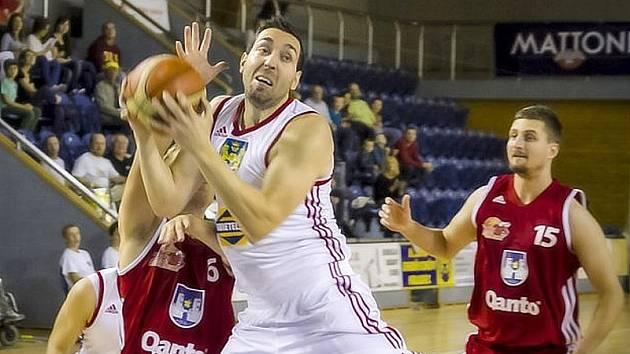 Basketbalistům Lions se zápas proti Svitavám vůbec nepovedl.