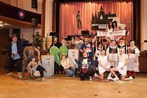 Loňský ples divadelní společnosti Jablonský připomínal oslavy sta let vzniku našeho státu.