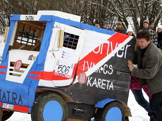 Silvestrovské sjezdy na čemkoli v Horní Radouni 2014. Tentokrát vládla klasická zimní atmosféra.