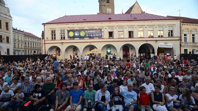 Festival přiláká na jednotlivá promítání na náměstí ve Slavonicích stovky diváků.