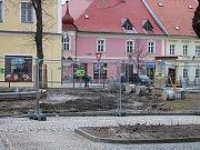 Stav první etapy úprav jindřichohradeckých Husových sadů.