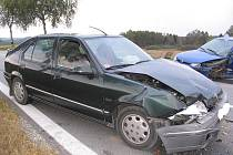 U Člunku se kvůli riskantnímu předjíždění srazila tři auta.