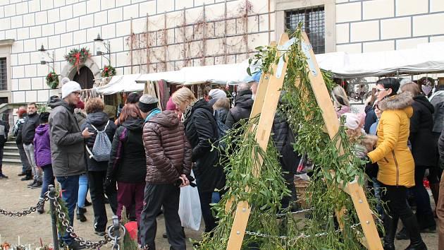 Hradec zaplnily vánoční trhy.