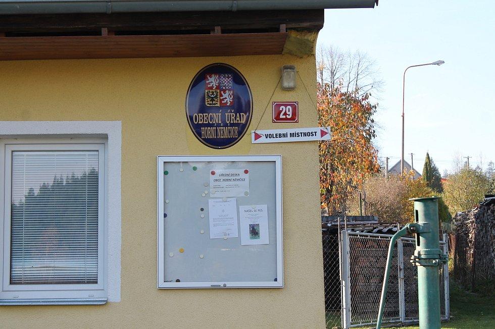 První volební den v Horních Němčicích.