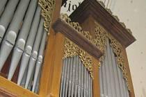 Varhany v horním kostele ve Velké Lhotě. Ilustrační foto.