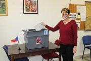 O volby v Rodvínově je velký zájem. Odvoleno už má i volební komise včetně předsedkyně Miroslava Petrů.