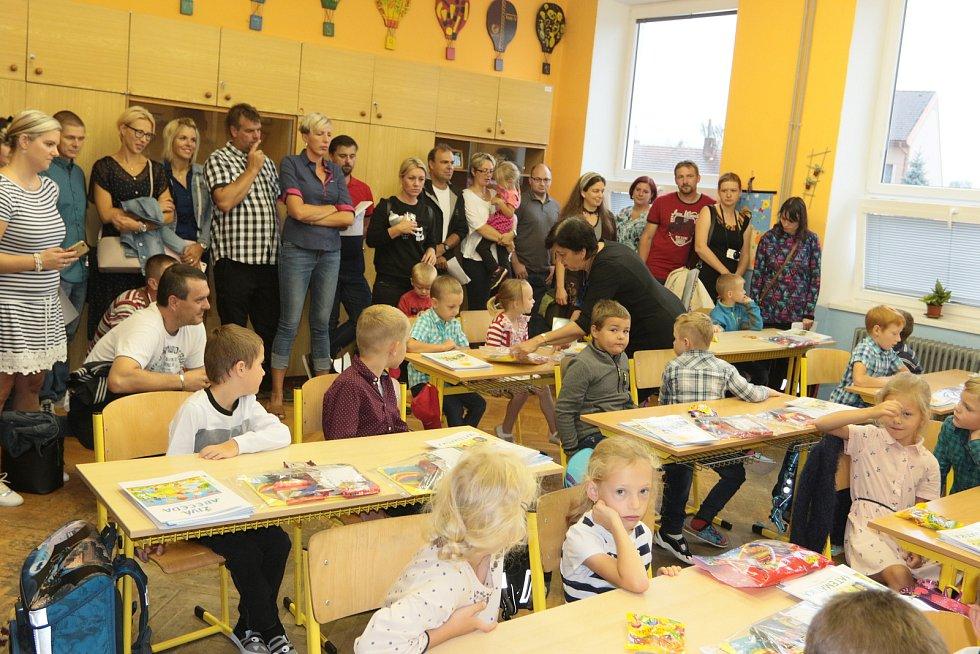 První školní den v ZŠ Deštná. Foto: Josef Böhm