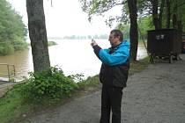 Voda ze Spolského rybníka nejvíce ohrožuje Svět v Třeboni.