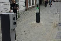 Sloupek, který bude regulovat vjezd vozidel do historického centra Třeboně, je nainstalovaný i v Březanově ulici.