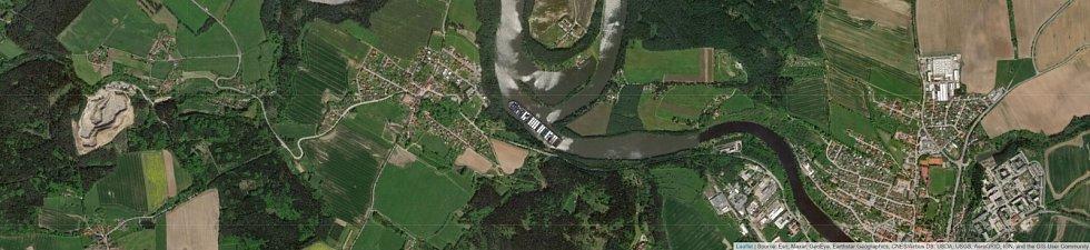 Jaké místo by obří kontejnerová loď Ever Given zabrala na soutoku Lužnice a Vltavy?