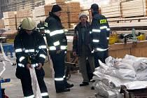 Cvičení hasičů v Kasalově pile.