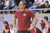 Trenér jindřichohradeckých basketbalistů Karel Forejt.