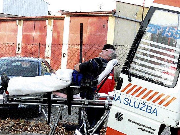 POMOC.  Tři nejstarší auta z vozového parku záchranek na Jindřichohradecku nahradí zbrusu nové sanity.