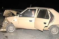 Střet dvou aut u Strmilova.