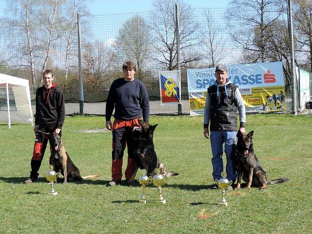 Výběrová soutěž psovodů na mistrovství republiky IPO v Třeboni.