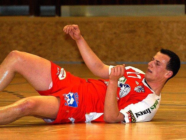 Svým výkonem a góly k tomu bude určitě chtít přispět také Martin Mošovský.