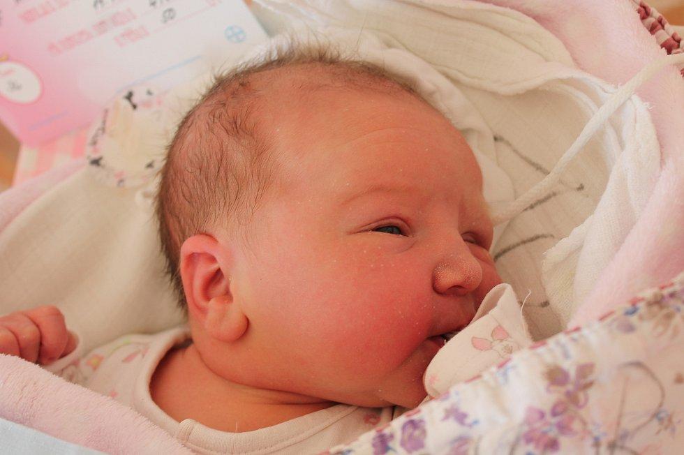 Irena Ihnatišínová, Písečné. Narodila se 19. září Ireně a Michalu Ihnatišínovým, vážila 4 180 gramů a měřila 50 centimetrů.