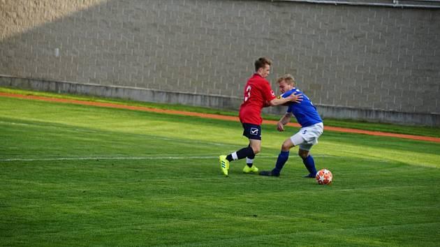 Fotbalisté Nové Bystřice porazili třeboňské béčko vysoko 5:1.