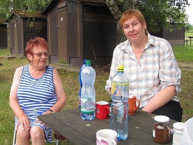 Jana a Hana Ulrichovy sem jezdí už dvacet let (na snímku zleva).