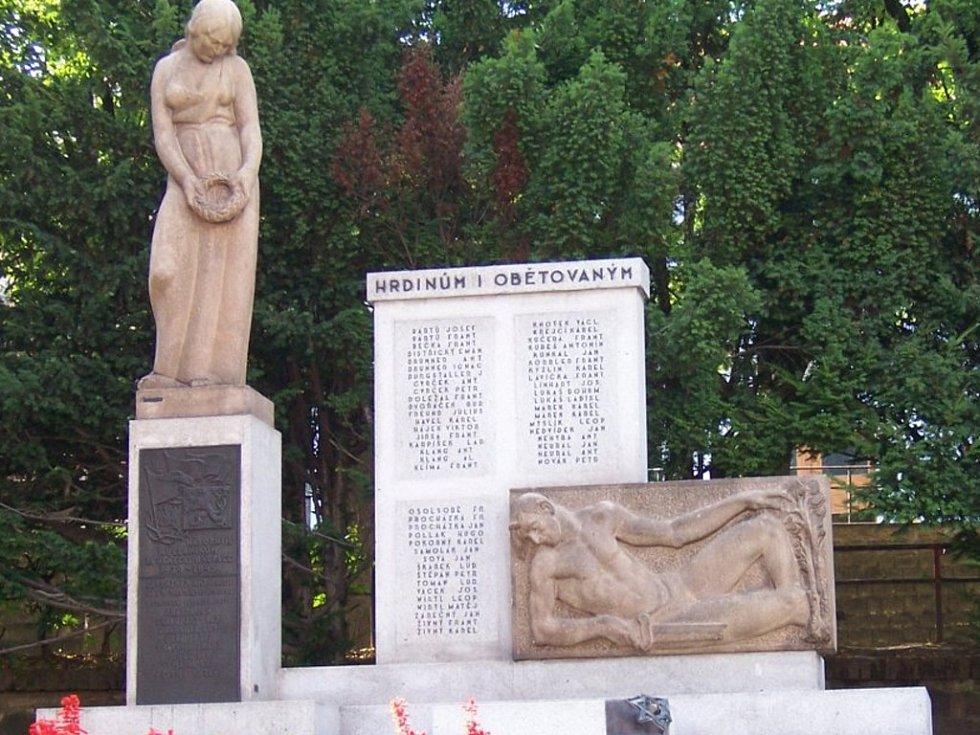 Vrátí se dačický pomník na původní místo?