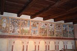 Pohled na restaurování fresek na domě 517.