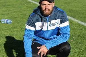 Život bez fotbalu si Jan Beneš nedokáže představit. Vede deset tréninků týdně a k tomu pochopitelně i víkendové zápasy.