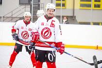 Hradečtí hokejbalisté podlehli Dobřanům 6:10. K lepšímu výsledku Olympu nepomohl ani hattrick Jaroslava Matějky.